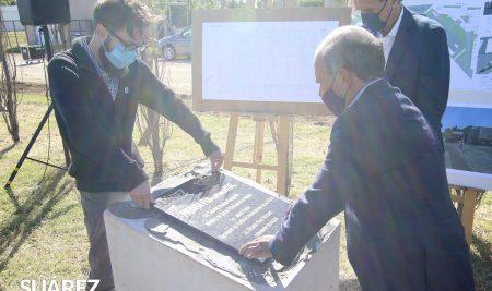 Se colocó la piedra fundamental del Centro Regional Educativo Universitario Suarense (CREUS) en el predio donde se levantará la futura universidad